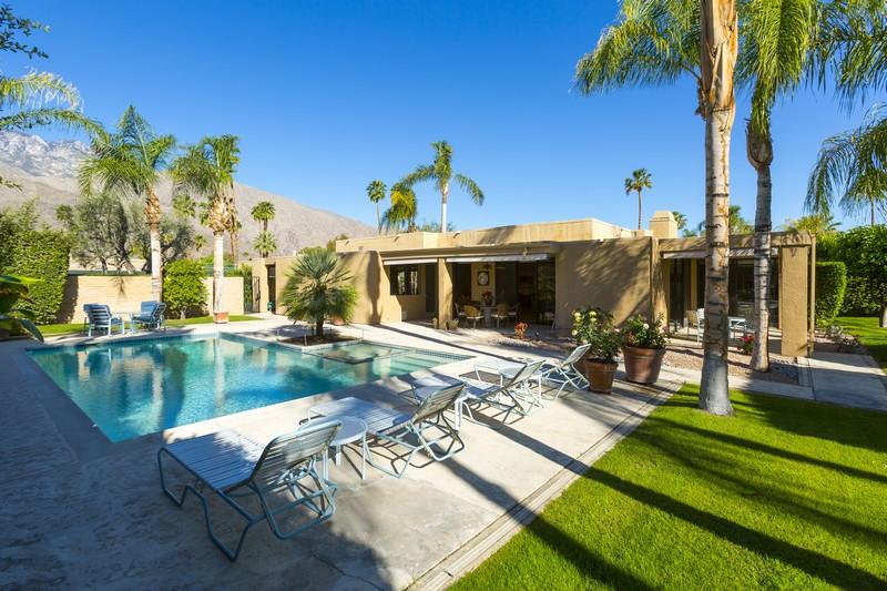 Eigentumswohnung für Verkauf beim 1860 Via Isla Palm Springs, Kalifornien 92264 Vereinigte Staaten