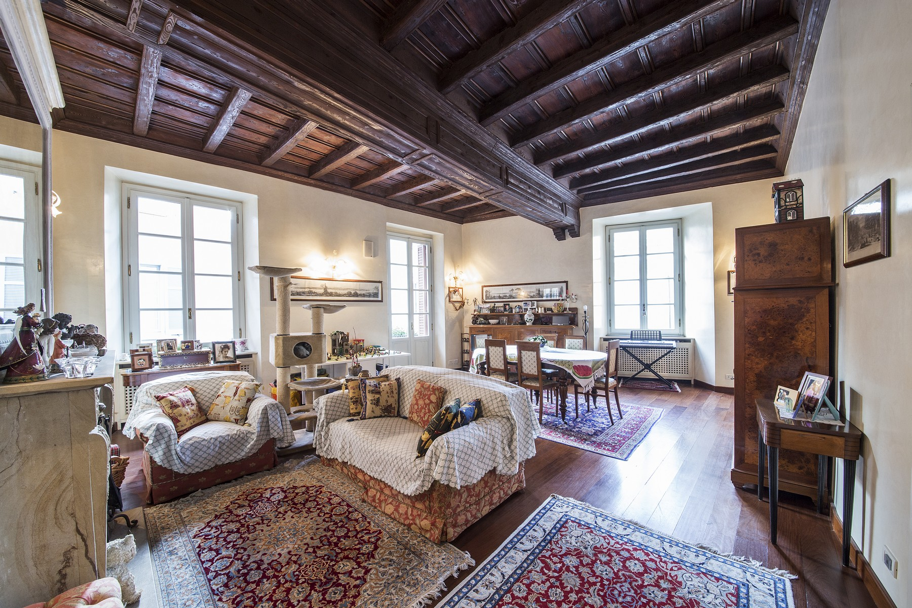 Appartement pour l Vente à Wonderful apartment in prestigious building in the center of Como Via Bonanomi Como, Como 22100 Italie