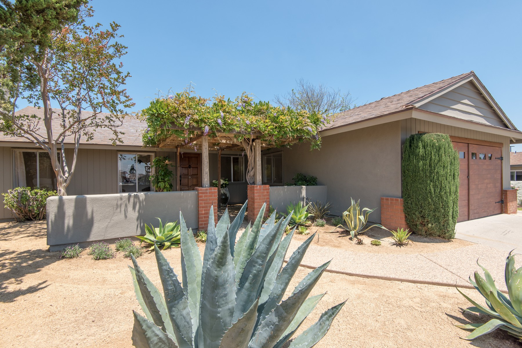 Single Family Home for Sale at 1444 Calle Place Escondido, California 92027 United States