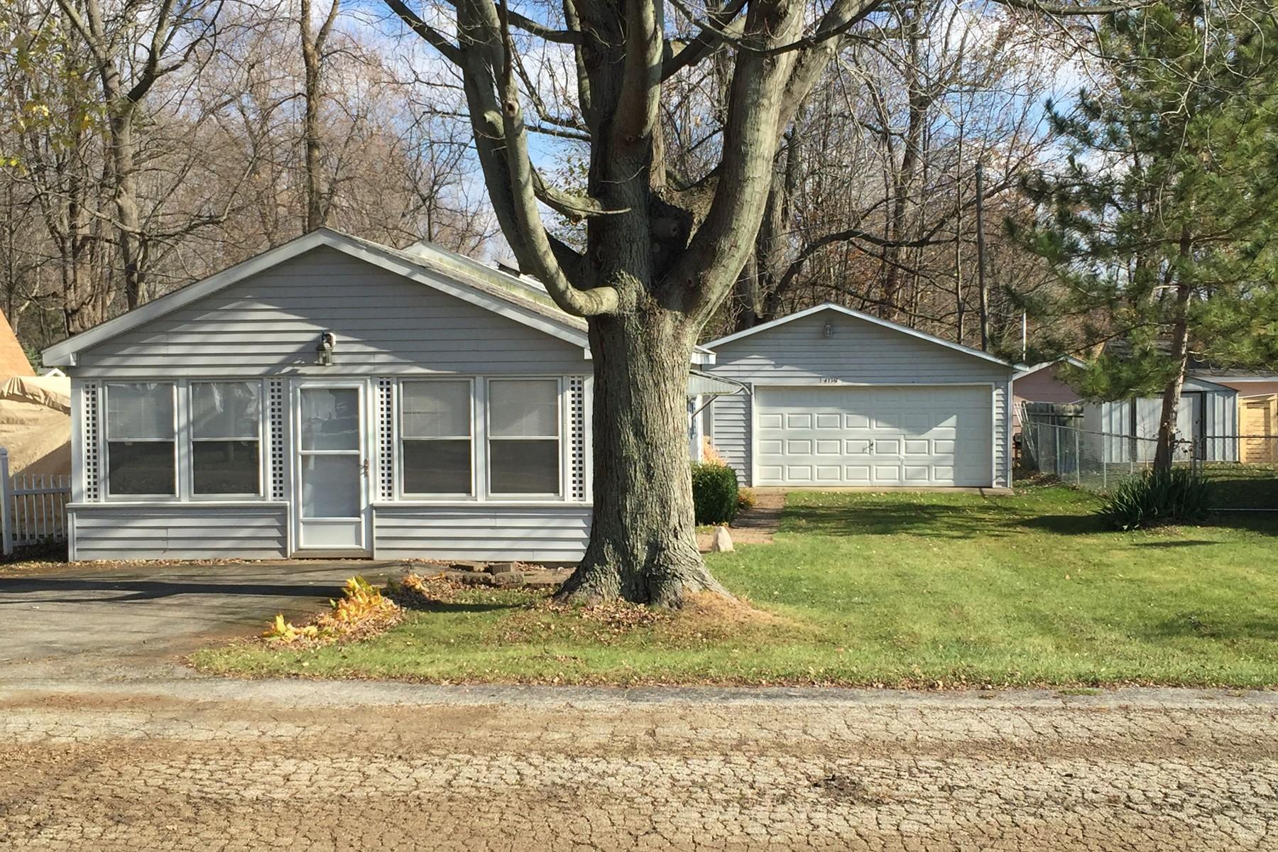 Villa per Vendita alle ore Cute Cottage 43361 Van Auken Drive Bangor, Michigan, 49013 Stati Uniti