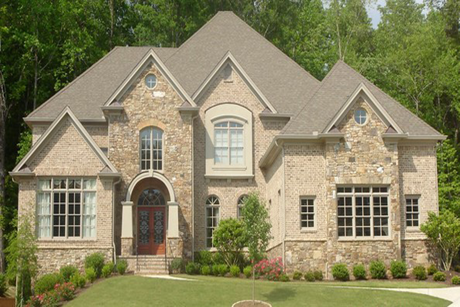 Villa per Vendita alle ore Stately Brick Residence In Sought After Gated Community Of Riverside Park 5015 Riverside Park Drive Roswell, Georgia, 30076 Stati Uniti