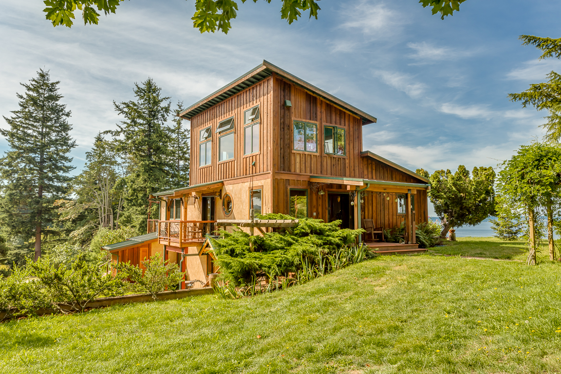 Single Family Home for Sale at Live Edge Bluff 7030 Sills Road Clinton, Washington 98236 United States