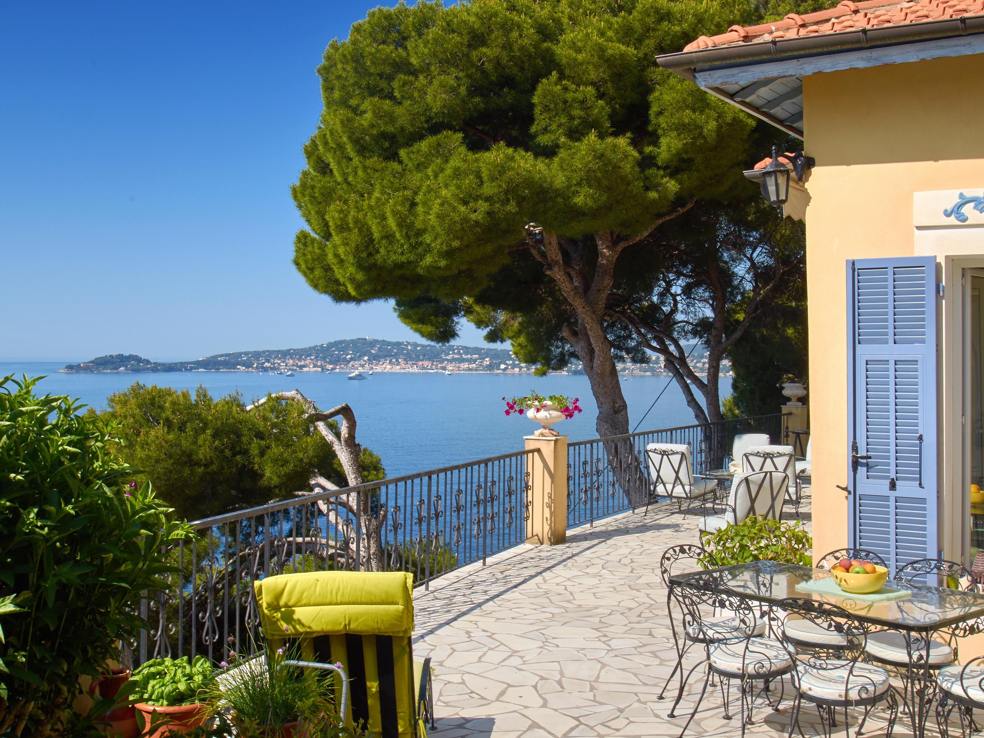 Single Family Home for Sale at Charming single-storey house with panoramic sea views Eze sur Mer Other Provence-Alpes-Cote D'Azur, Provence-Alpes-Cote D'Azur 06360 France