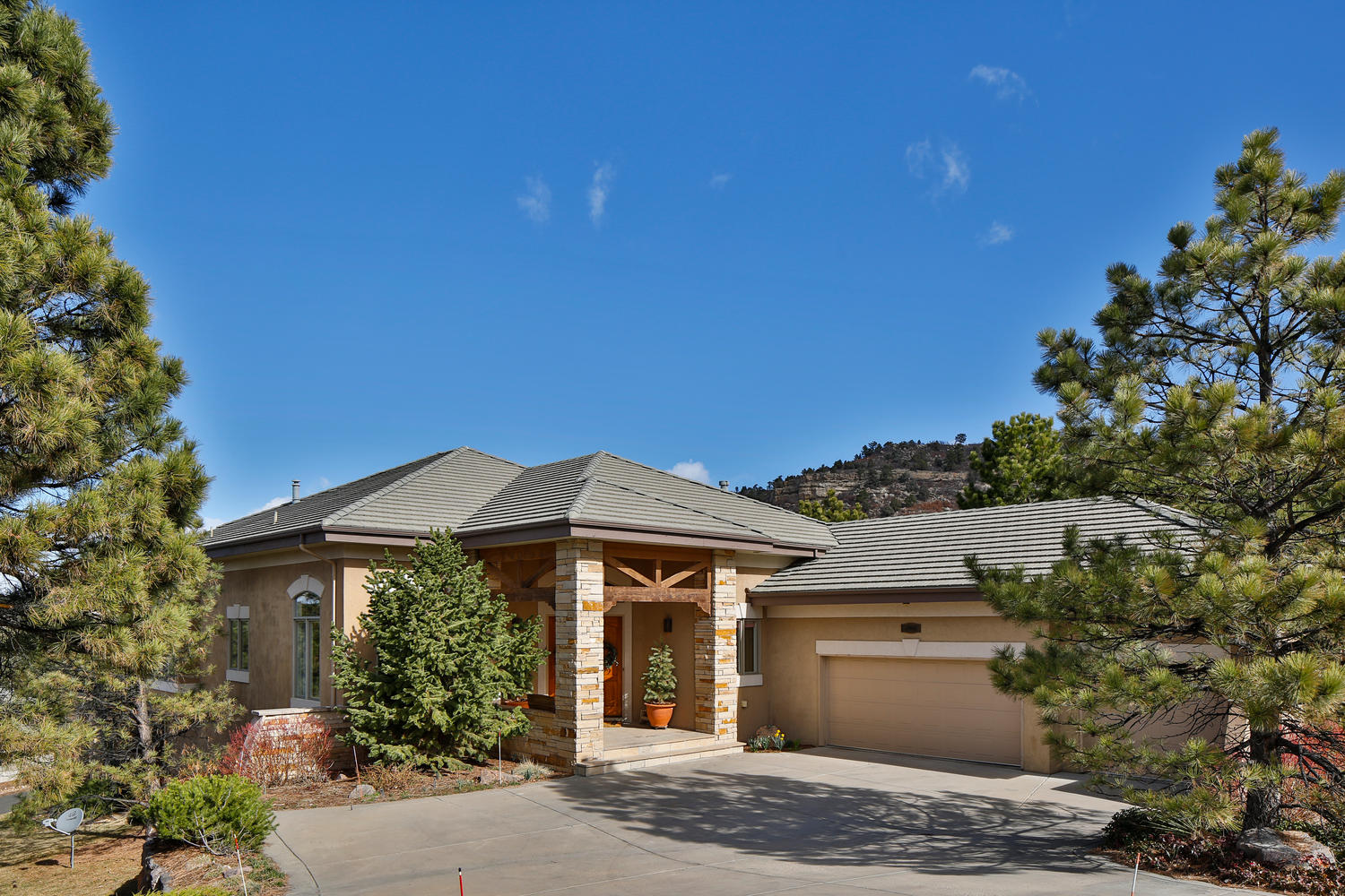 Single Family Home for Sale at 2902 Fairway View Ct Castle Pines Village, Castle Rock, Colorado, 80108 United States