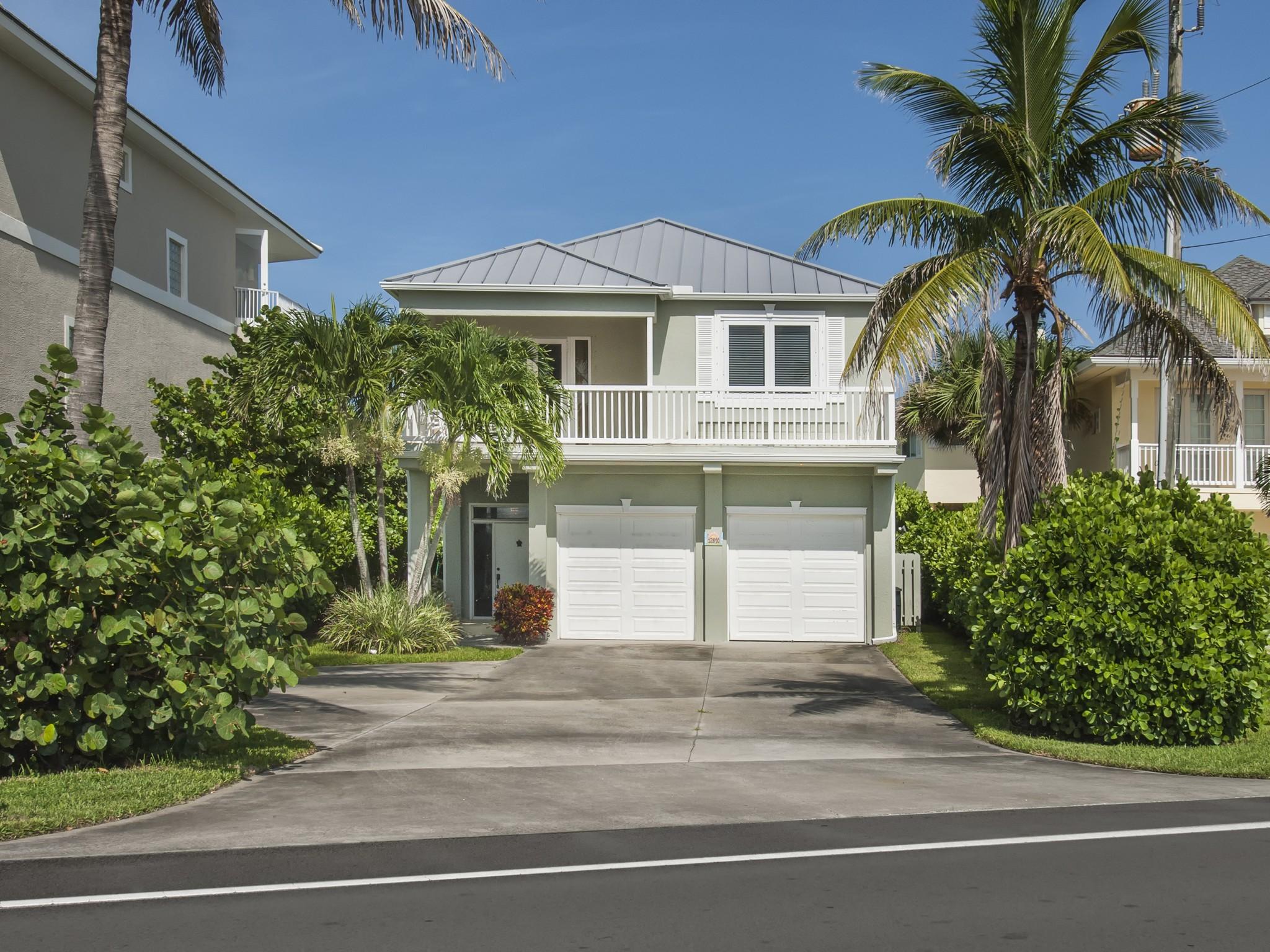 獨棟家庭住宅 為 出售 在 Charming Ocean to River Home 12890 Highway A1A Vero Beach, 佛羅里達州 32963 美國