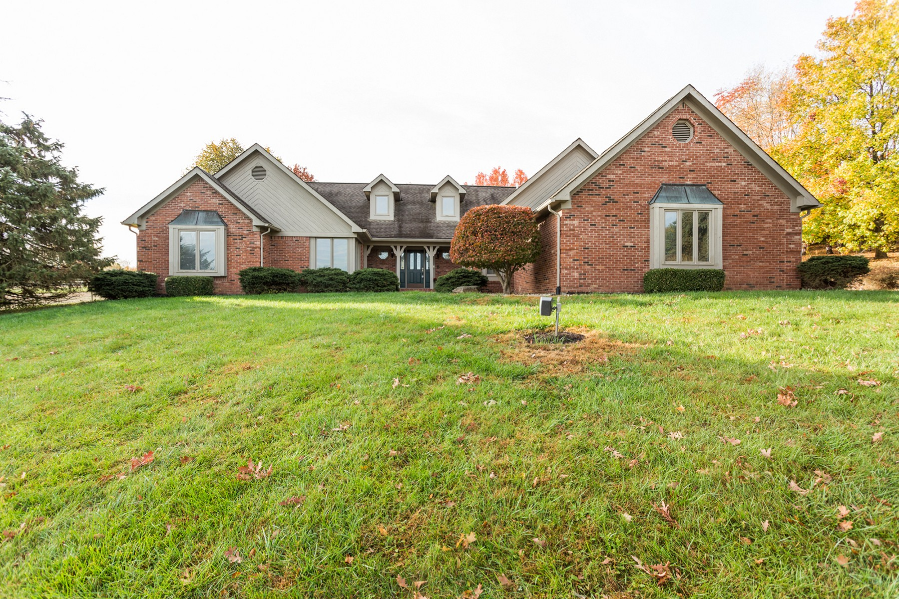 Moradia para Venda às Greenwood Estate 6555 W. Stones Crossing Rd Greenwood, Indiana, 46143 Estados Unidos