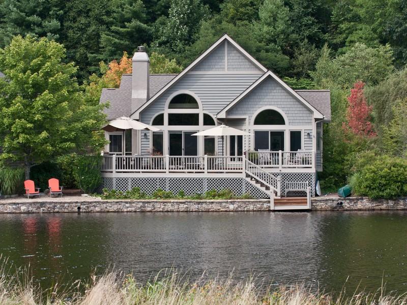Vivienda unifamiliar por un Venta en 484 Lake Villas Way Highlands, Carolina Del Norte 28741 Estados Unidos
