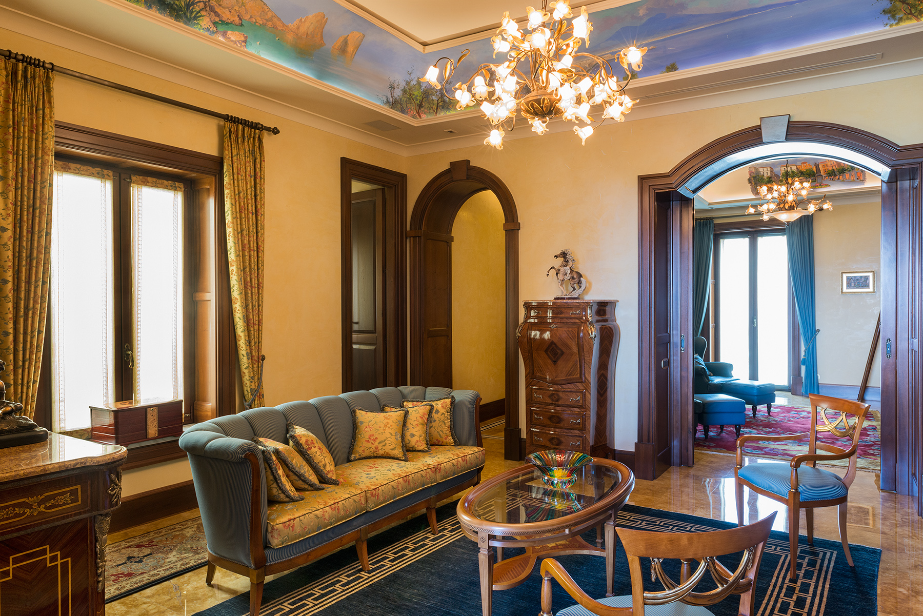 Additional photo for property listing at Spectacular apartment in the center of Sorrento Sorrento, Naples Italia