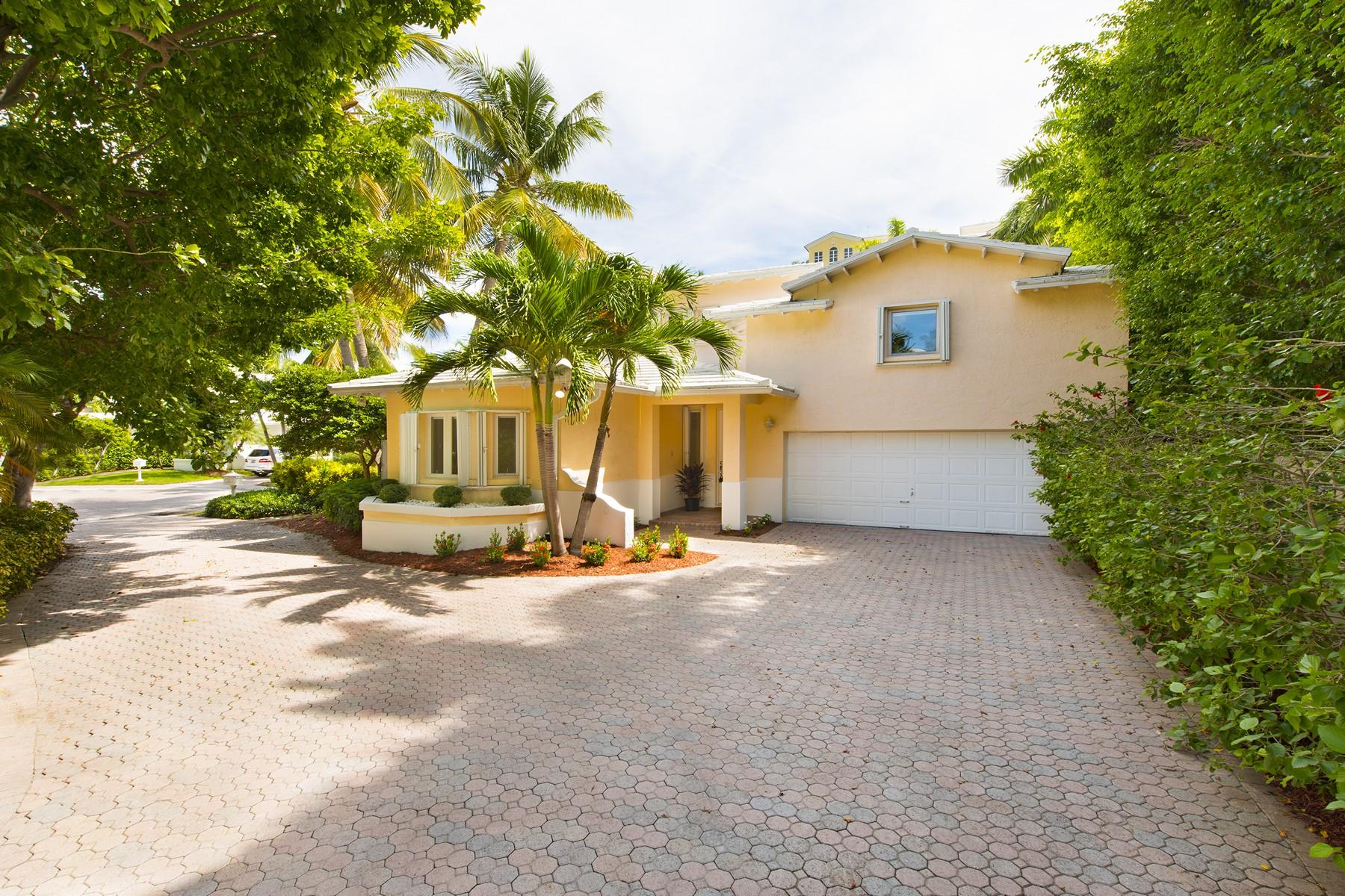 Vivienda unifamiliar por un Venta en 10 Coconut Lane Key Biscayne, Florida 33149 Estados Unidos