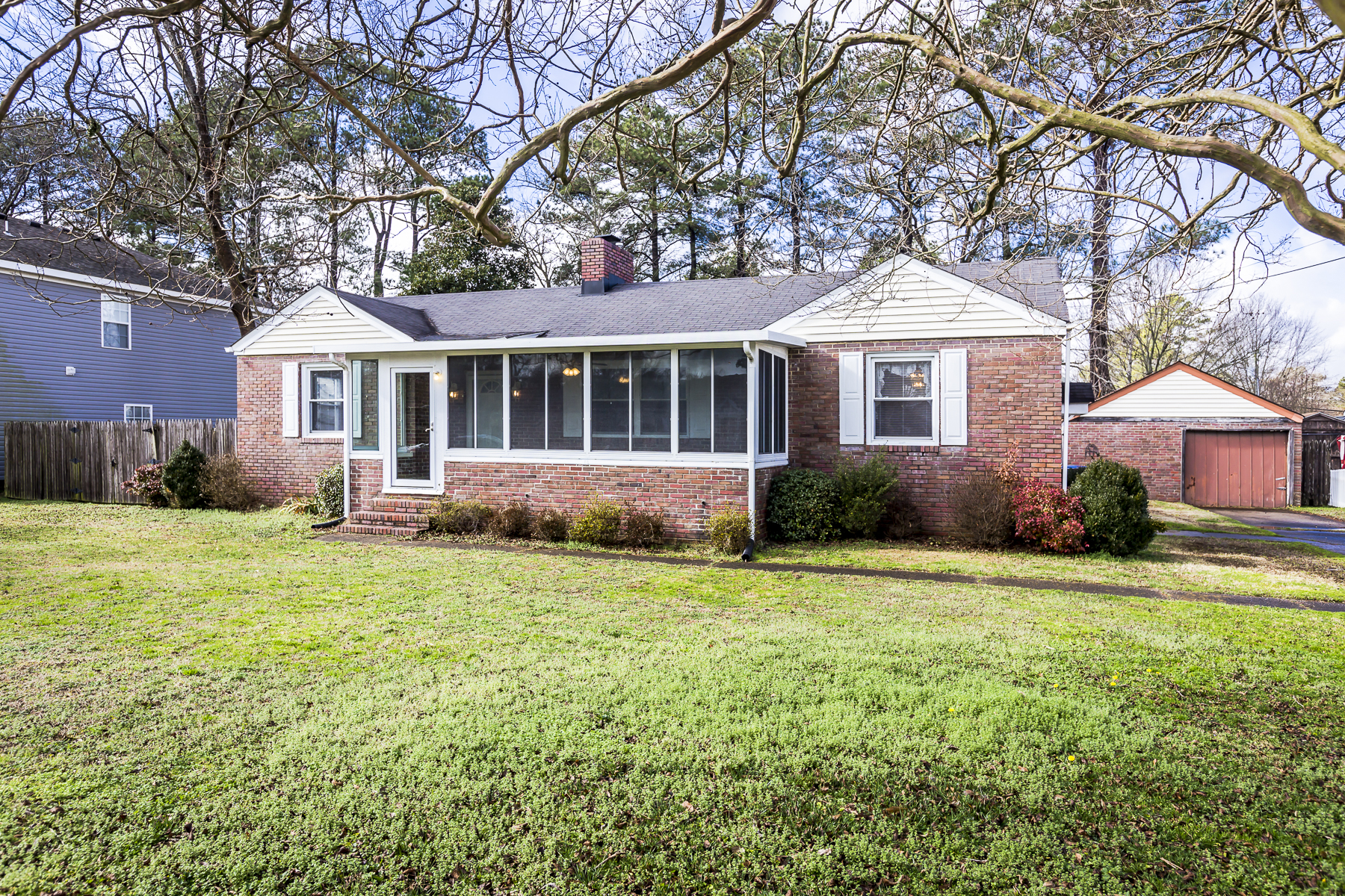 Single Family Home for Sale at 1125 Hawthorne 1125 Hawthorne Dr. Chesapeake, Virginia 23325 United States