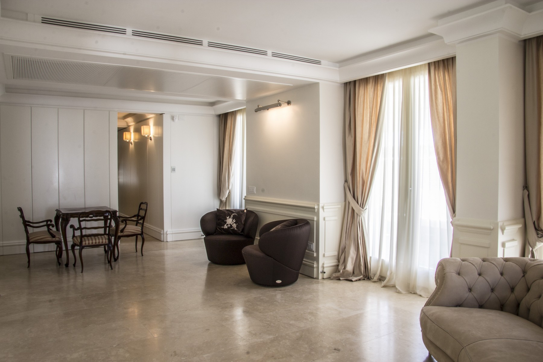 Additional photo for property listing at Stunning Penthouse in Rome Parioli  Rome, Roma 00197 Italia