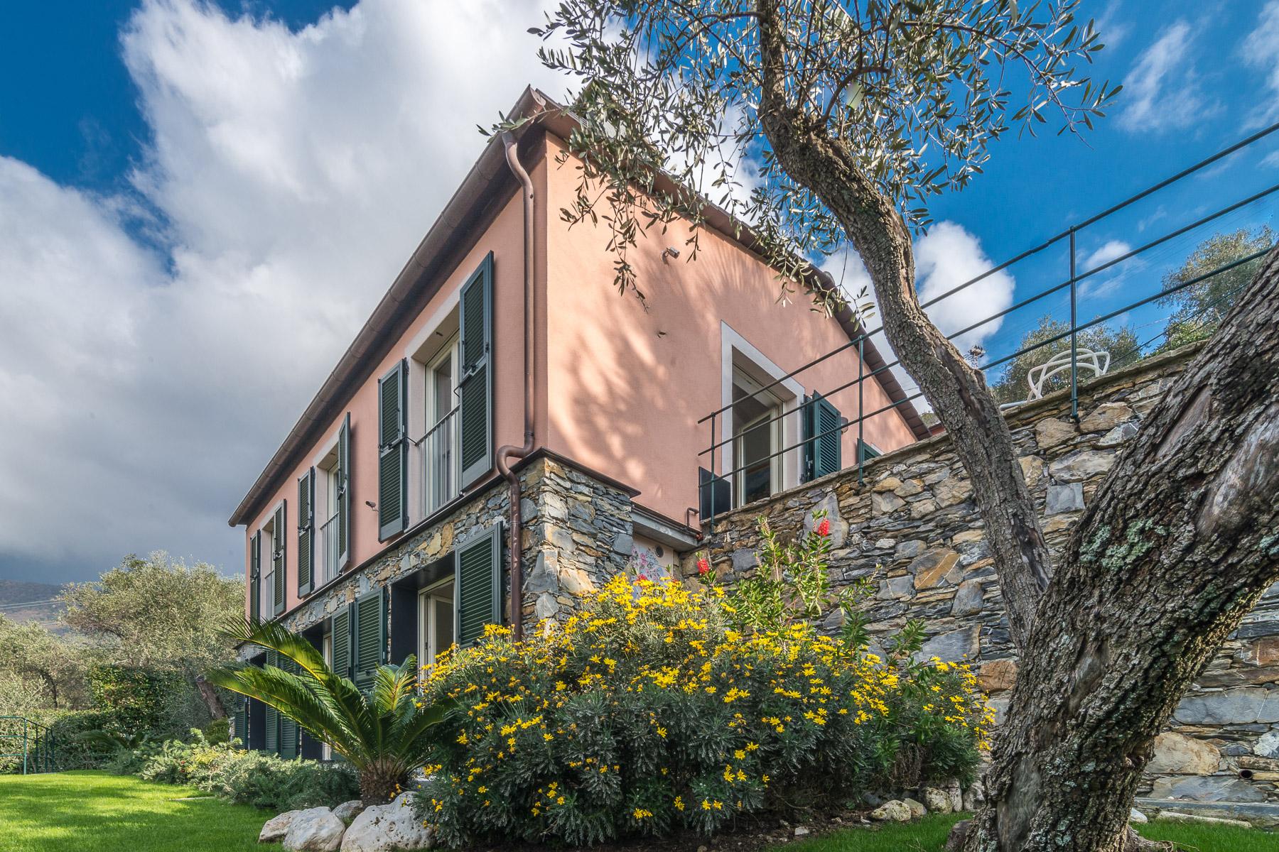 Maison unifamiliale pour l Vente à Charming villa with views on the Italian Riviera Via Solari e Queirolo Zoagli, Genoa 16035 Italie