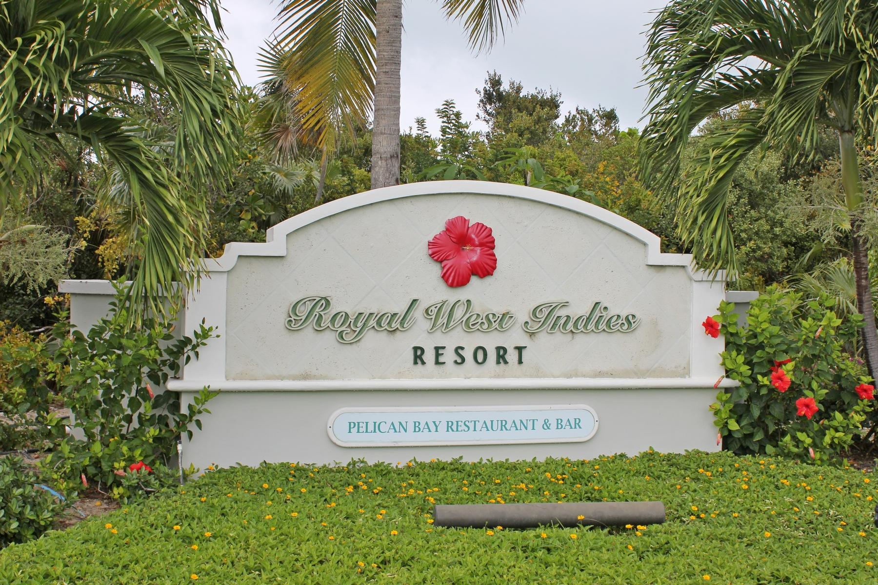 コンドミニアム のために 売買 アット Royal West Indies - Suite 823 Beachfront Grace Bay, プロビデンシャルズ, TCI タークス・カイコス諸島
