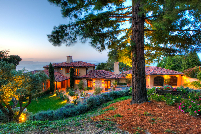 단독 가정 주택 용 매매 에 Timeless Paradise 3560 Paradise Dr Tiburon, 캘리포니아, 94920 미국
