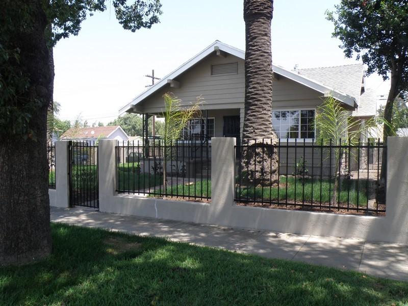 Tek Ailelik Ev için Satış at 1047 W 71st Street Los Angeles, Kaliforniya 90044 Amerika Birleşik Devletleri