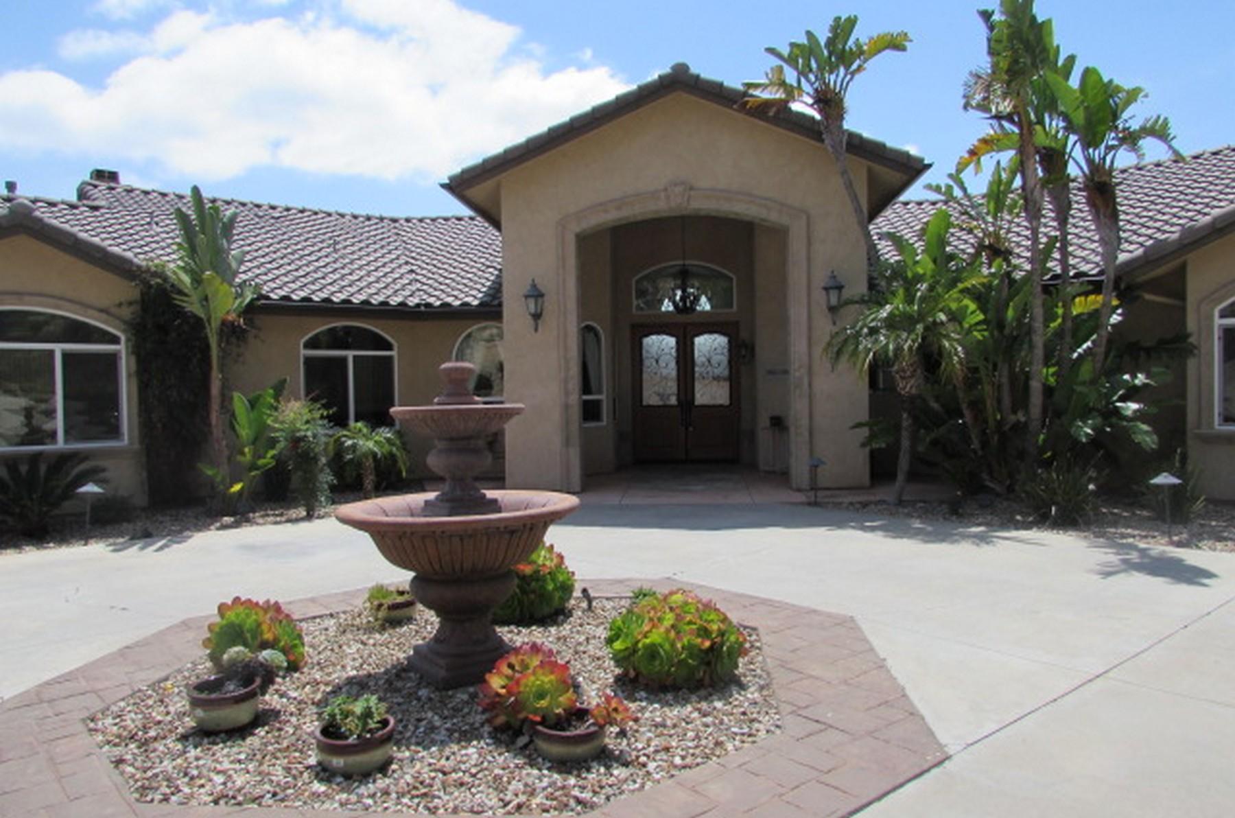 Villa per Vendita alle ore Ramona Ranch in Eagles Crest 16103 Eagles Crest Ramona, California 92065 Stati Uniti