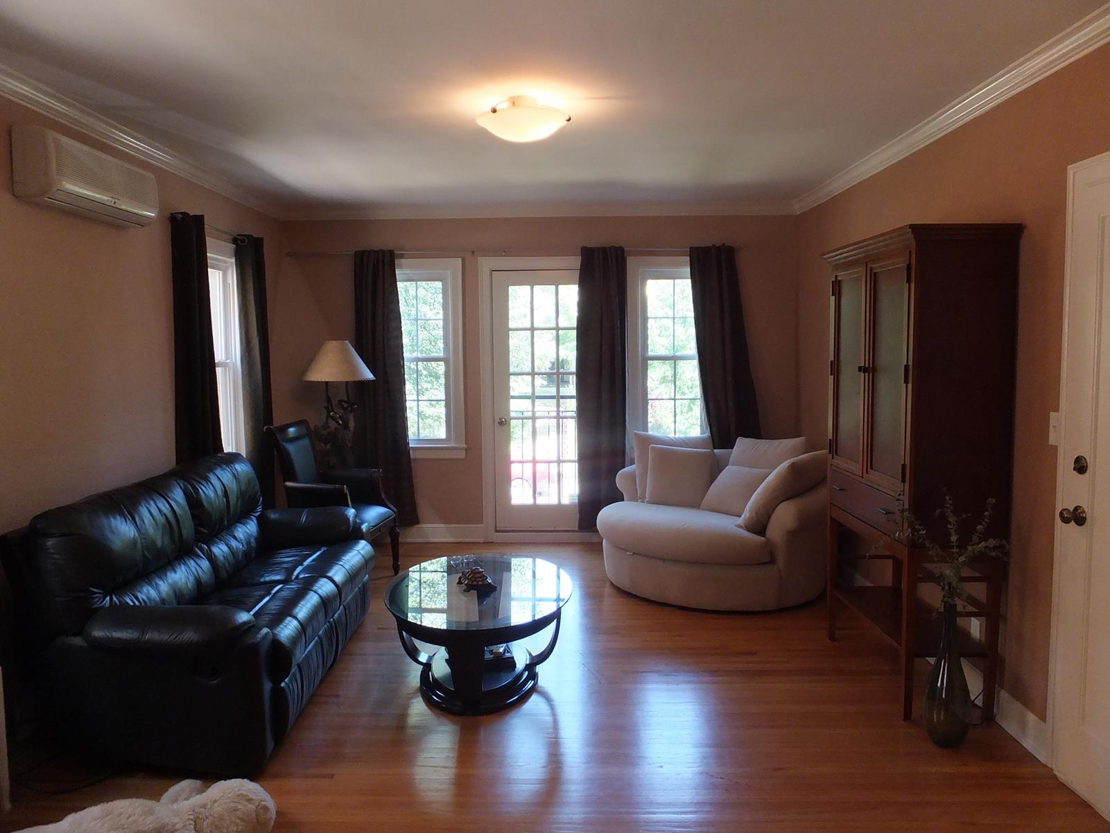 sales property at 3016 James Ave S #102