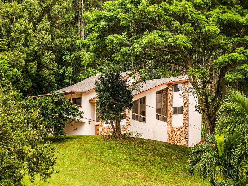 Maison unifamiliale pour l Vente à 1320 Nahele Place Kapaa, Hawaii 96746 États-Unis