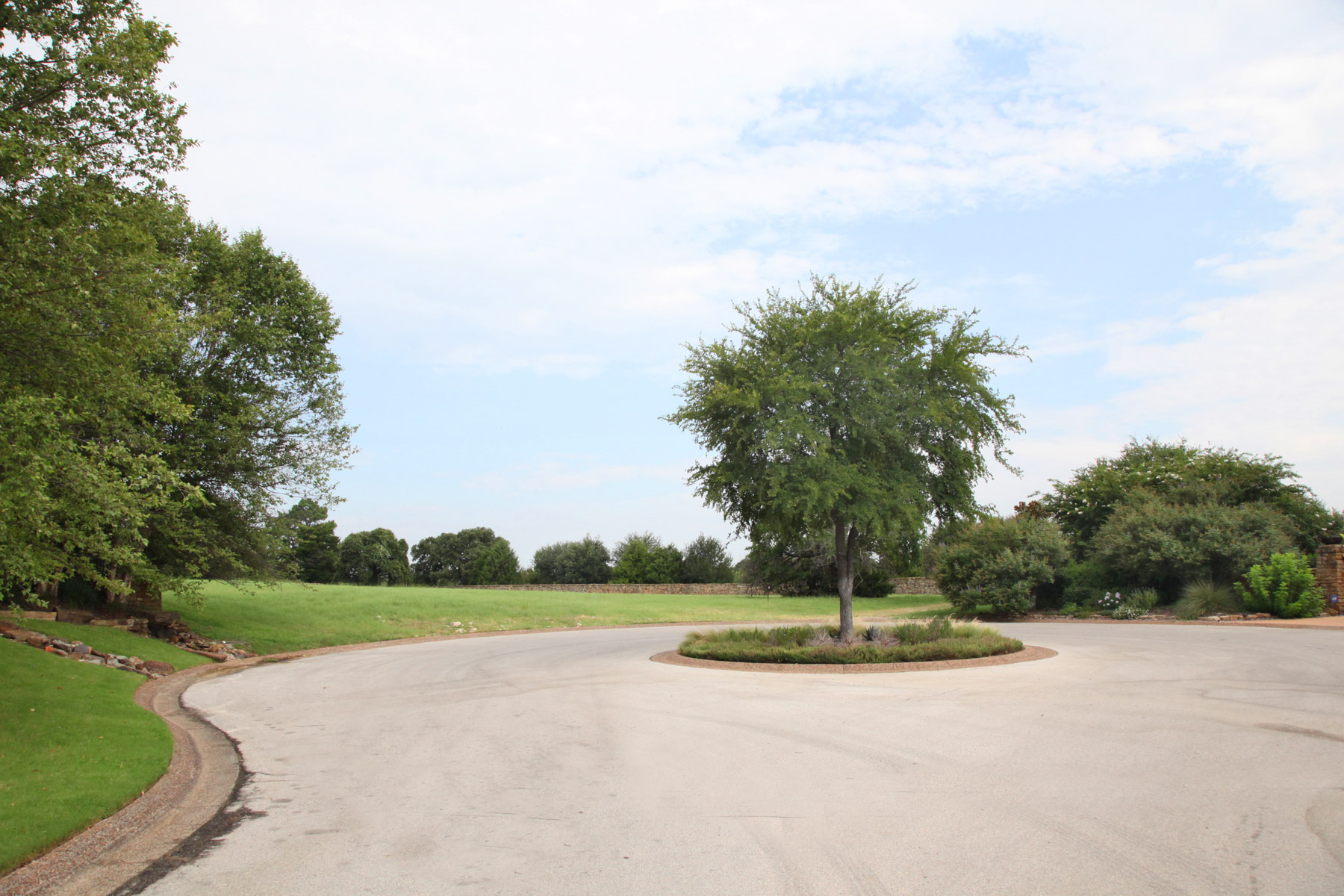 土地 のために 売買 アット 1.67 Acre Vacant Lot in the Guard Gated Golf Community 2256 King Fisher Dr. Westlake, テキサス, 76262 アメリカ合衆国