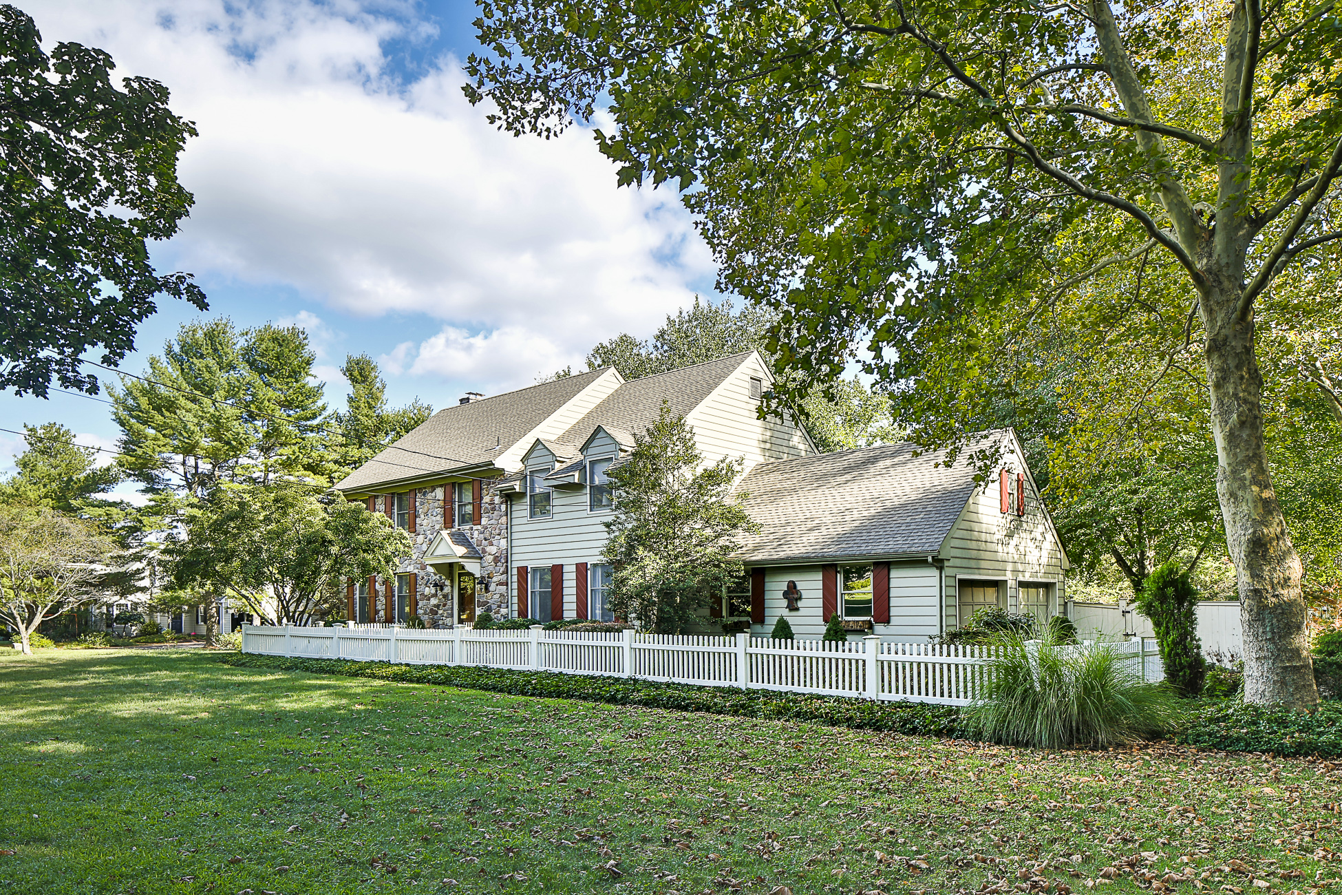 Property For Sale at Gorgeous rental in Elm Ridge Park