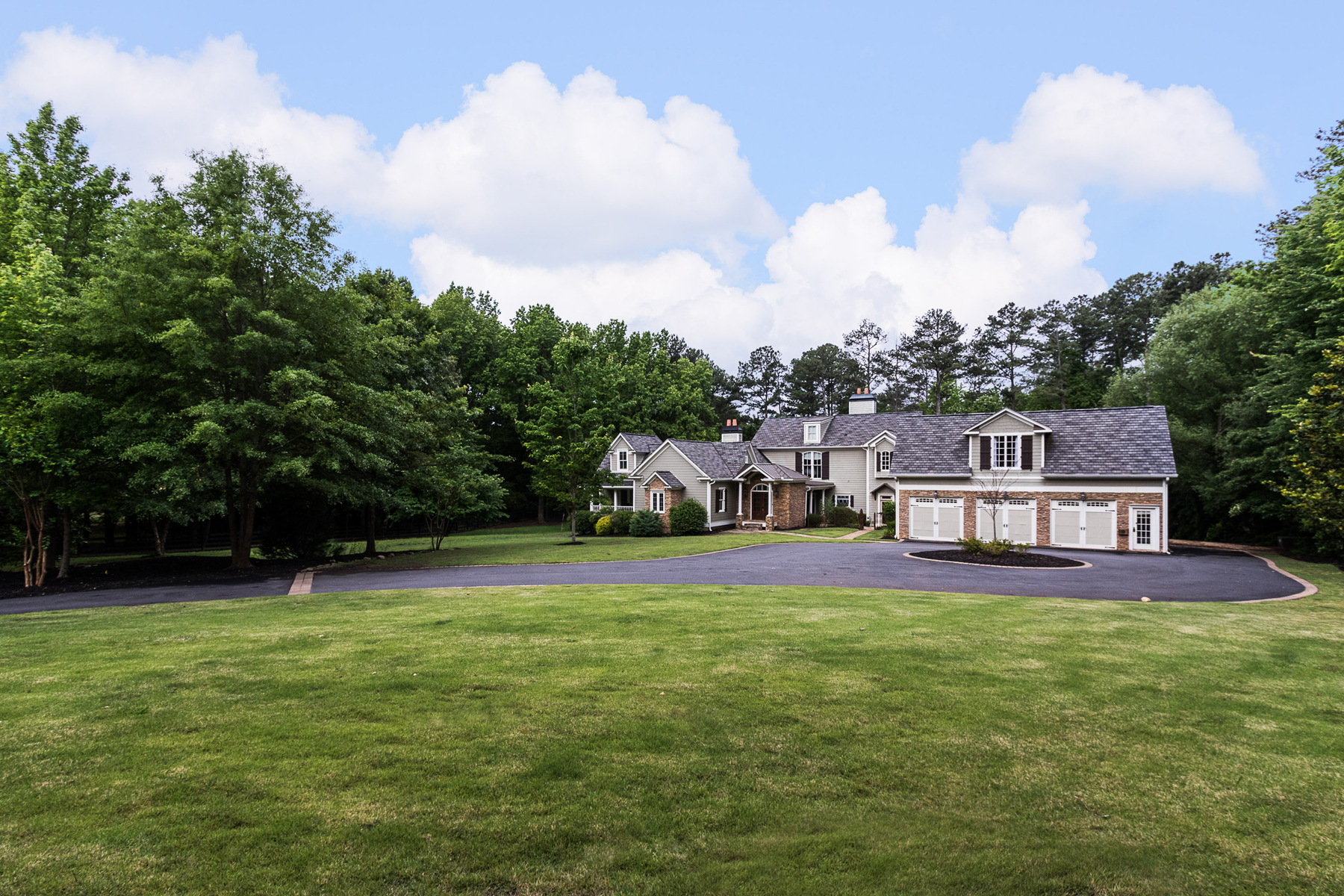 Single Family Home for Sale at Spectacular Gated Farm House On 2+ Acres 11650 King Road Roswell, Georgia, 30075 United States