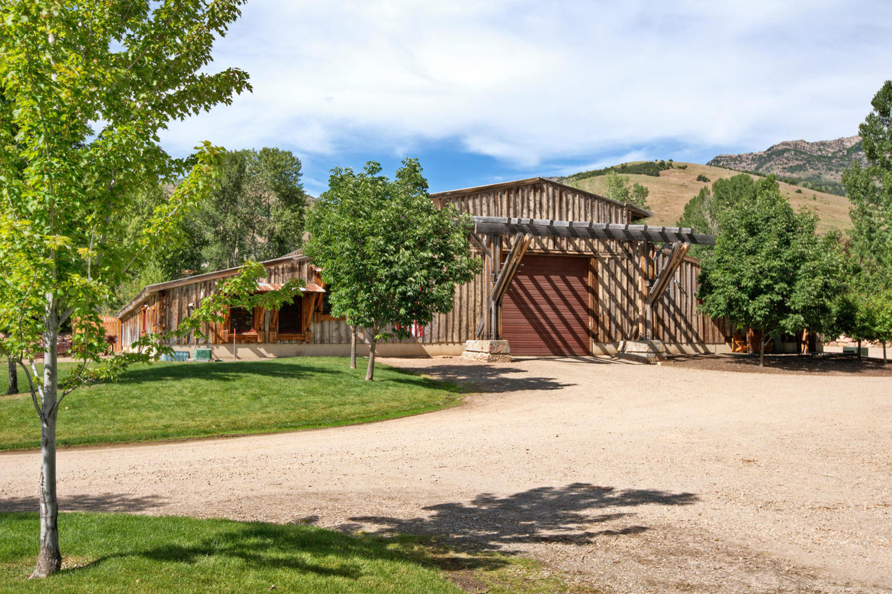 Terreno por un Venta en Kelley Creek Farm 465 North 9000 East Huntsville, Utah 84317 Estados Unidos