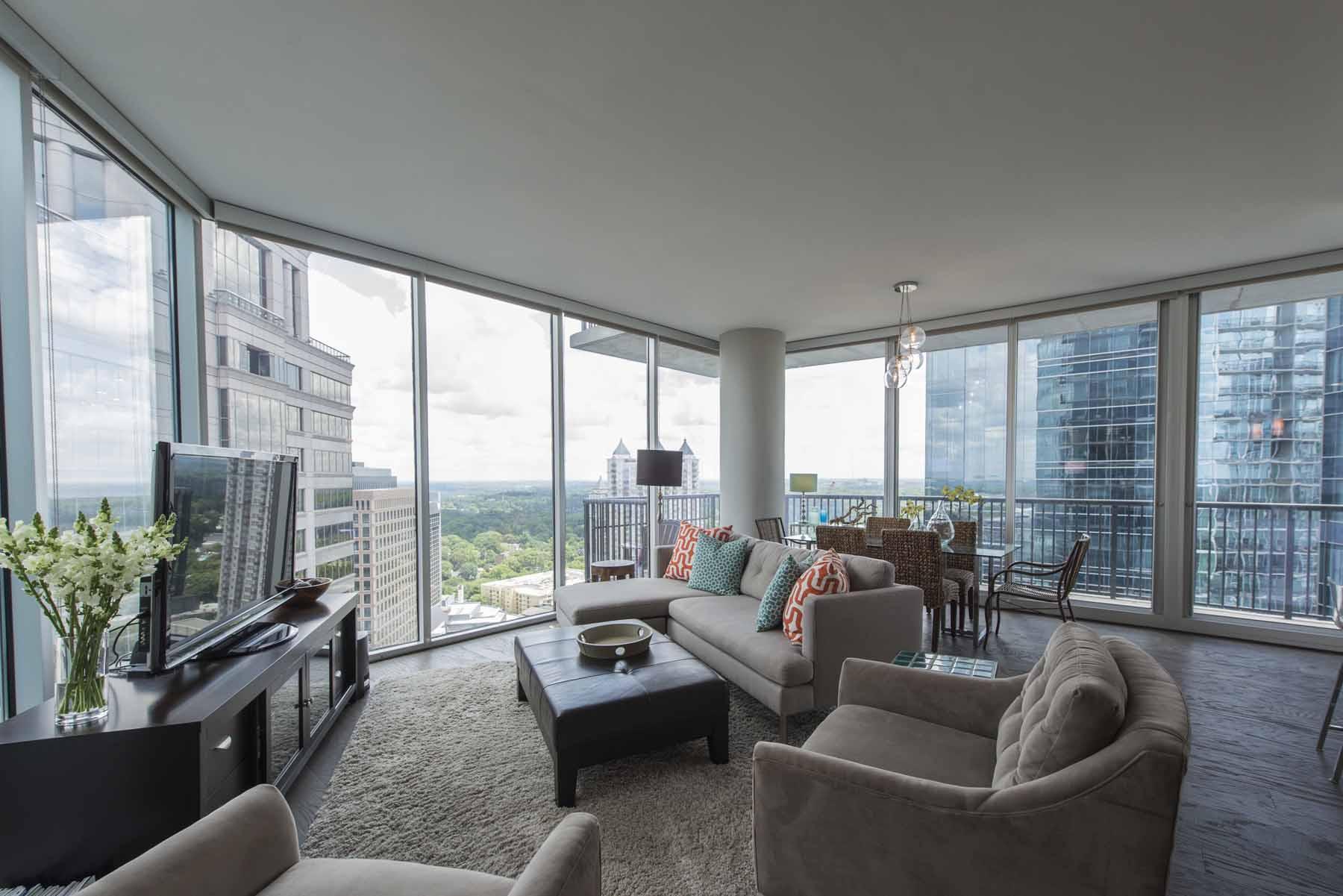 Nhà chung cư vì Bán tại Top Floor - Panoramic Views 1080 Peachtree Street No. 2803 Atlanta, Georgia 30309 Hoa Kỳ