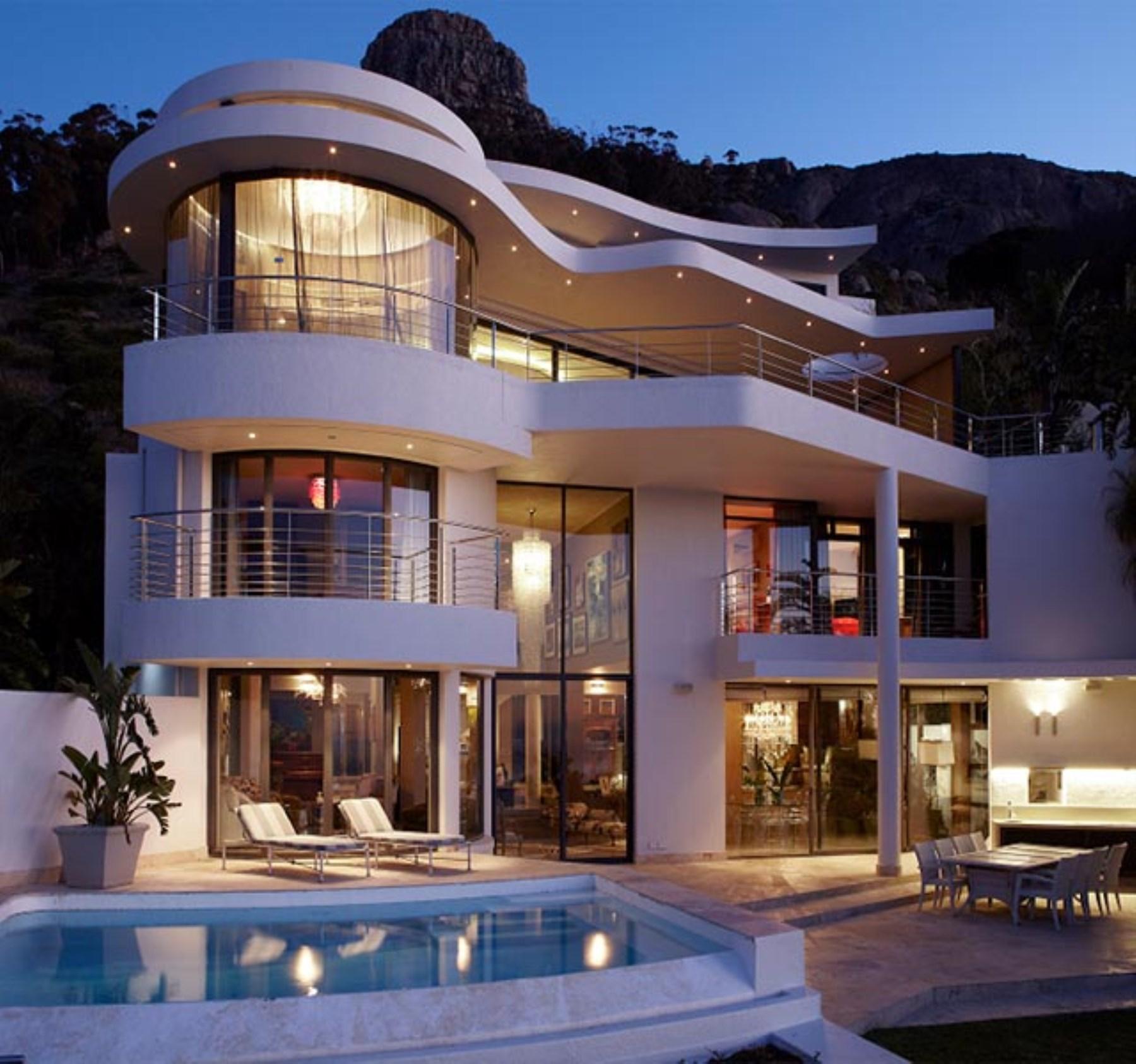 Maison unifamiliale pour l Vente à A contemporary house in Fresnaye Cape Town, Cap-Occidental, 8001 Afrique Du Sud
