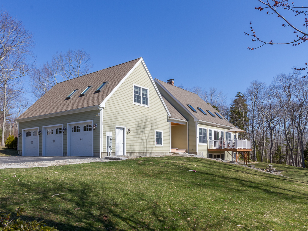 Single Family Home for Sale at Village of Chamberlain 86 Spring Hill Loop Bristol, Maine, 04541 United States