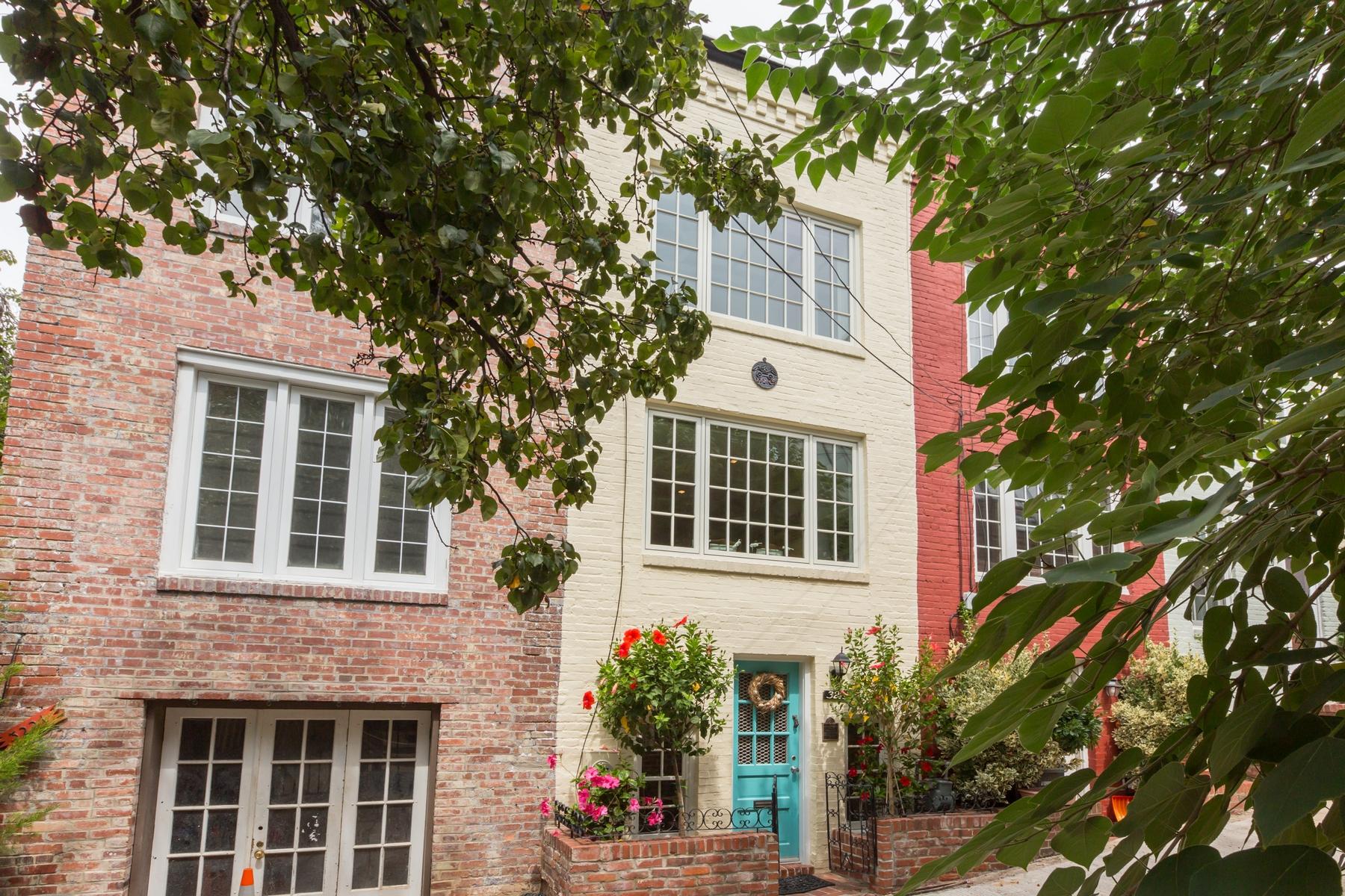 Таунхаус для того Продажа на Georgetown 3219 Cherry Hill Lane NW Georgetown, Washington, Округ Колумбия 20007 Соединенные Штаты