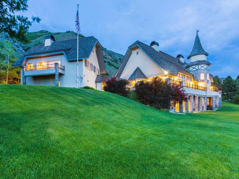 Vivienda unifamiliar por un Venta en German Inspired Chateau on 9.7 Acres 190 North 1440 East Springville, Utah 84663 Estados Unidos