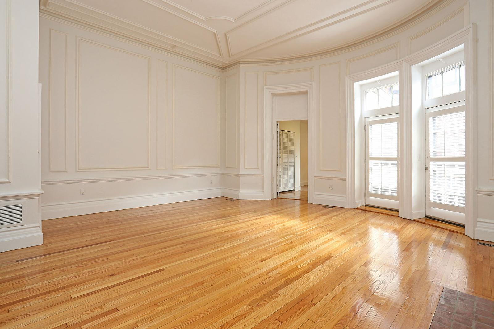 Maison unifamiliale pour l Vente à Beacon Place 125 Beacon Unit 4 Back Bay, Boston, Massachusetts, 02116 États-Unis