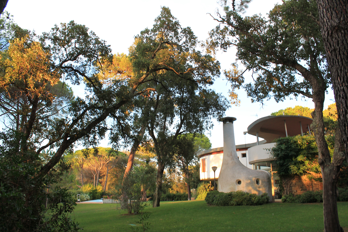 Additional photo for property listing at Exquisite villa surrounded by a private garden via del Pozzino Punta Ala, Grosseto 58043 Italia