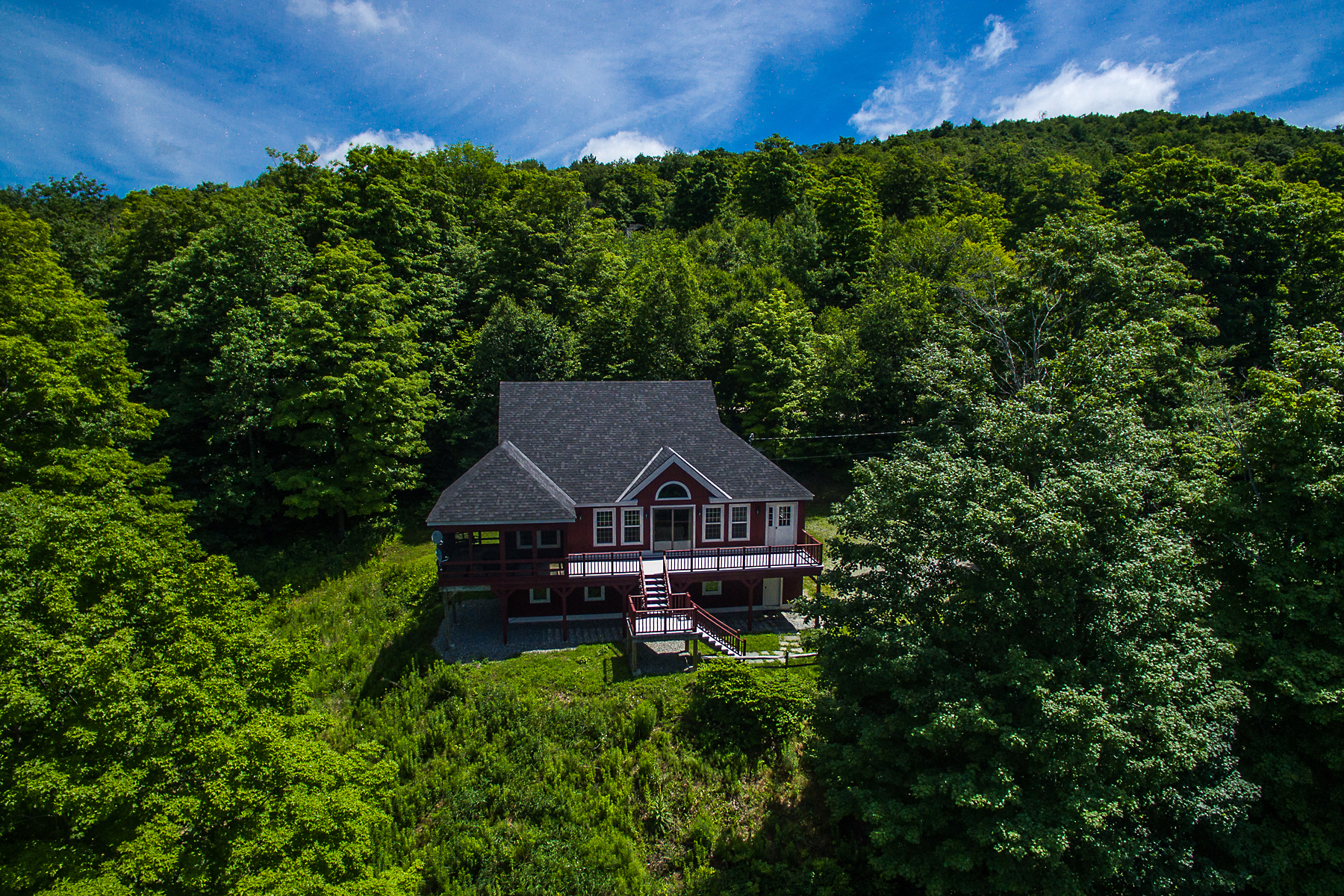 Casa Unifamiliar por un Venta en Fabulous West River Valley Views 745 Andover Ridge Rd Andover, Vermont, 05143 Estados Unidos
