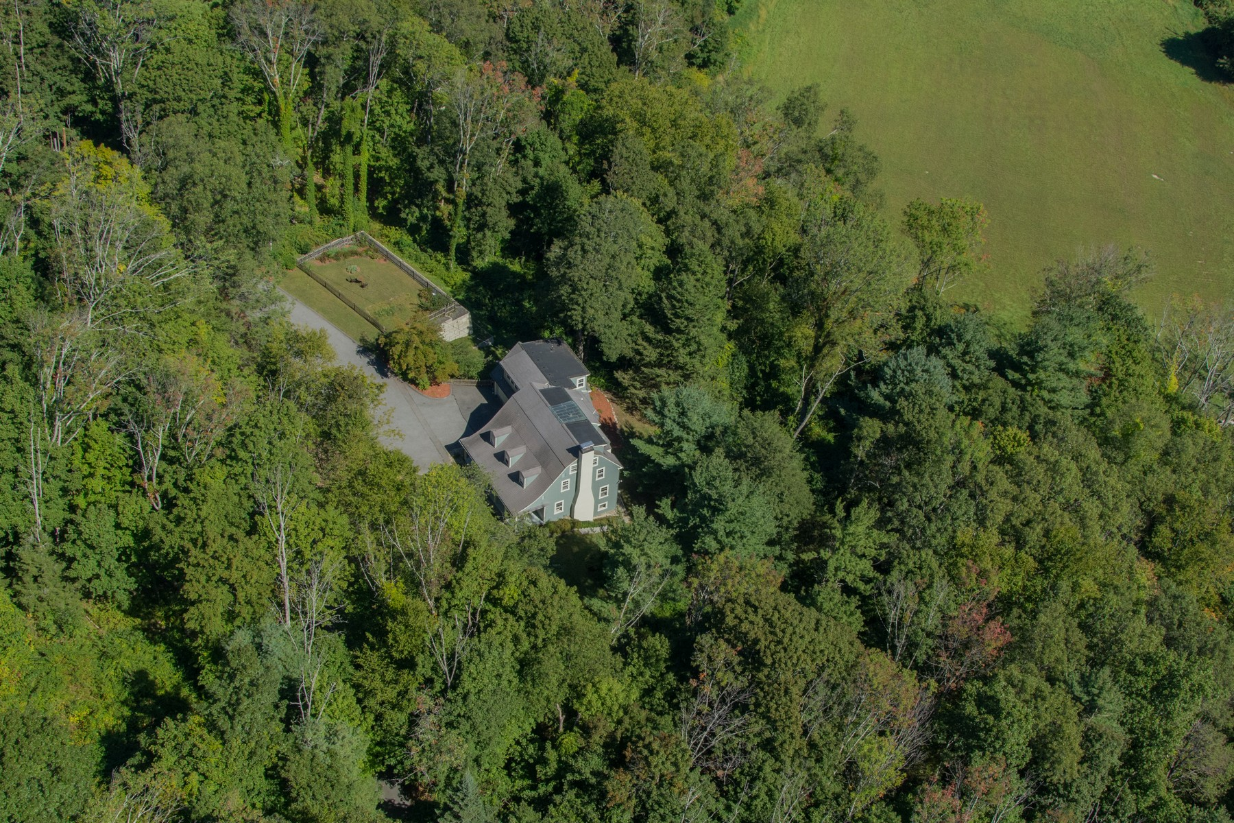 Single Family Home for Sale at Elegant & Country Charm 14 Hilliard Road Lincoln, Massachusetts 01773 United States