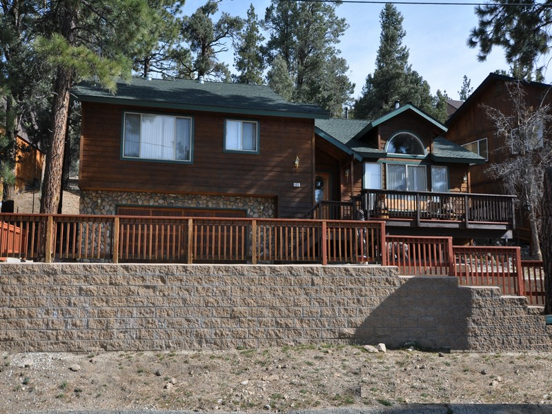 Single Family Home for Sale at 903 Antelope Mountain Big Bear City, California 92314 United States