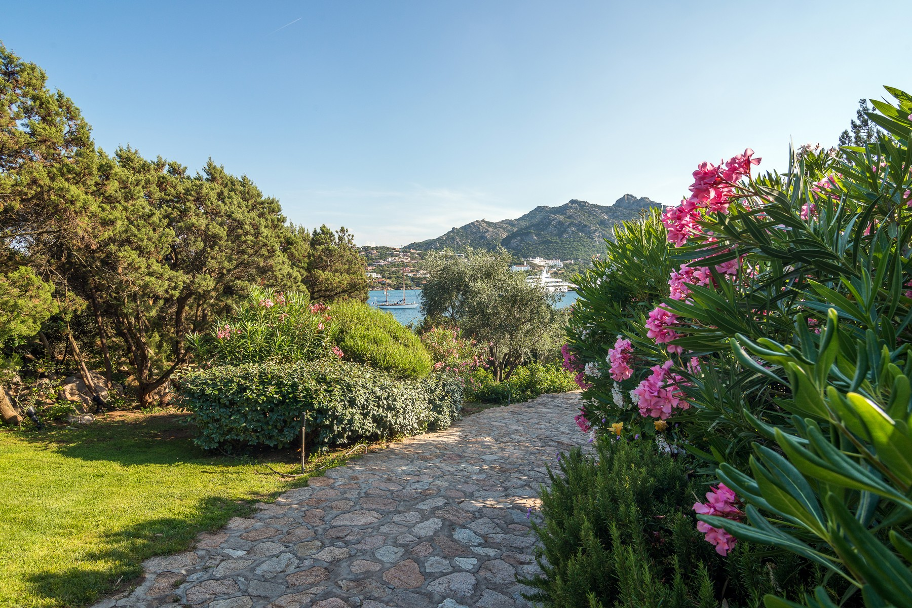 Additional photo for property listing at Majestic Waterfront Estate Porto Cervo Marina Costa Smeralda Porto Cervo, Olbia Tempio 07021 Italien