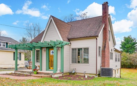 Maison unifamiliale pour l Vente à Updated Cottage in Allenwood! 3021 Atlantic Avenue Allenwood, New Jersey 08720 États-Unis