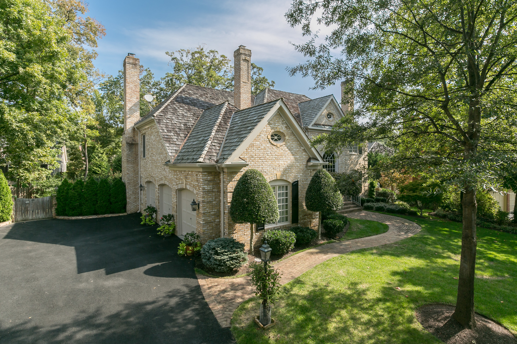 Single Family Home for Sale at Wycliffe 3808 Washington Woods Dr Alexandria, Virginia 22309 United States