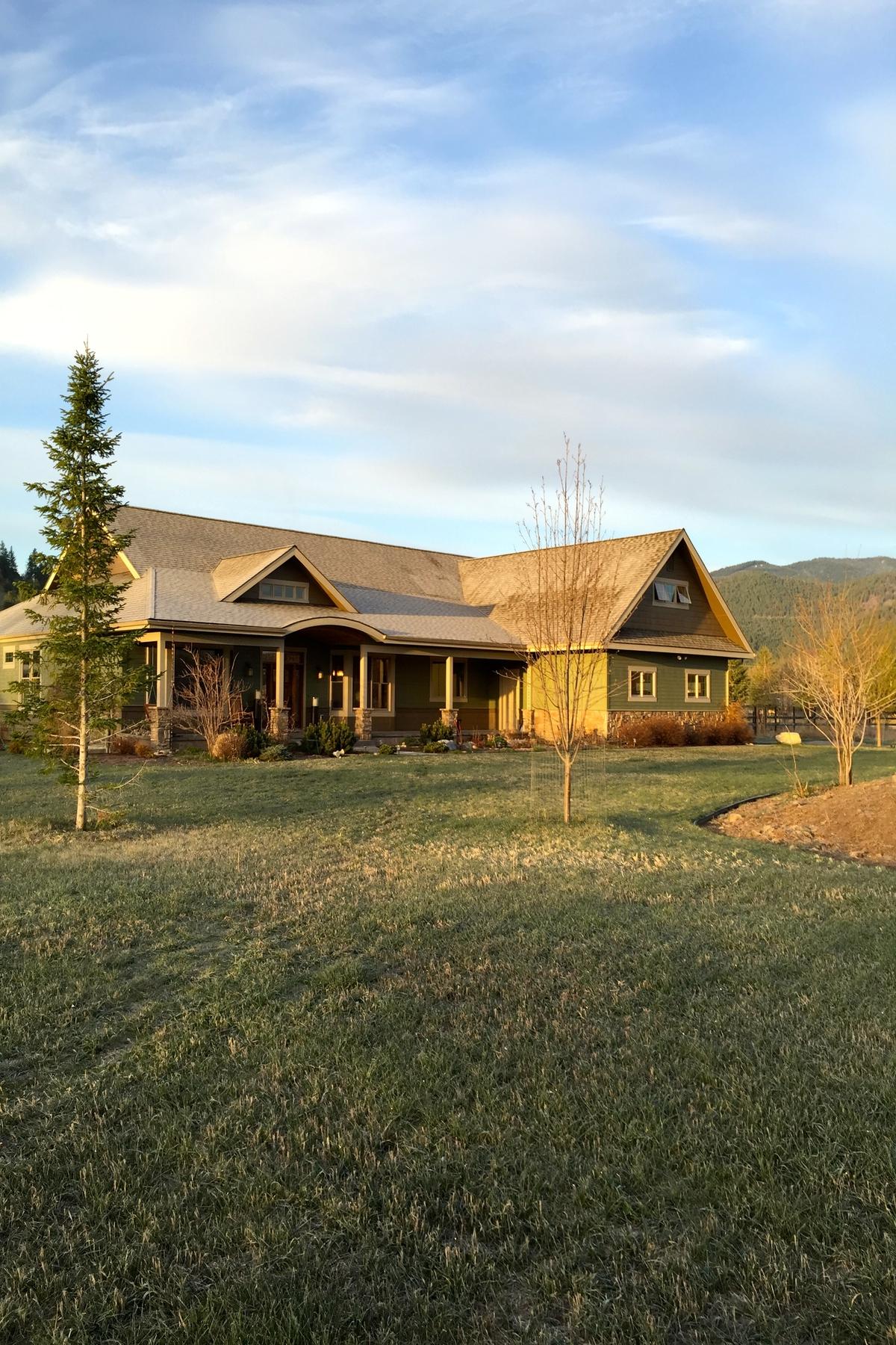 Maison unifamiliale pour l Vente à 2625 McCauley Lane Missoula, Montana 59804 États-Unis