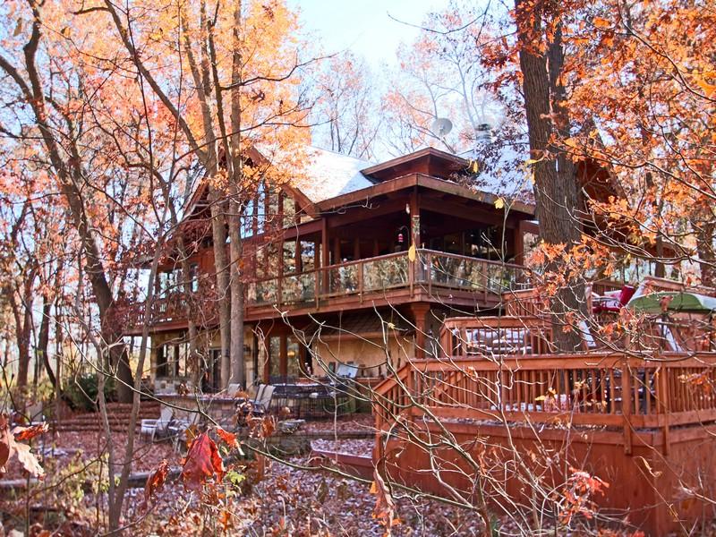 独户住宅 为 销售 在 42 Acre Resort-Like Home 12627 W 4000 North Road Bonfield, 伊利诺斯州 60913 美国