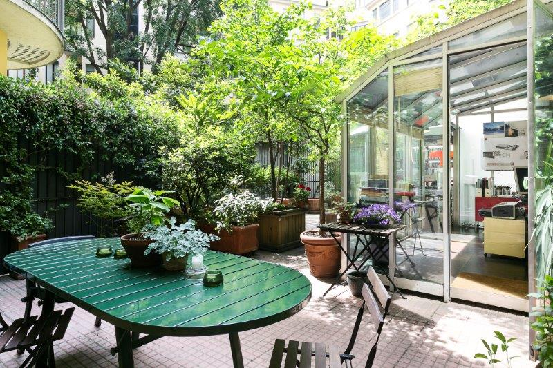 Additional photo for property listing at Two bedroom residence with terrace Via Morozzo della Rocca Milano, Milan 20123 Italie