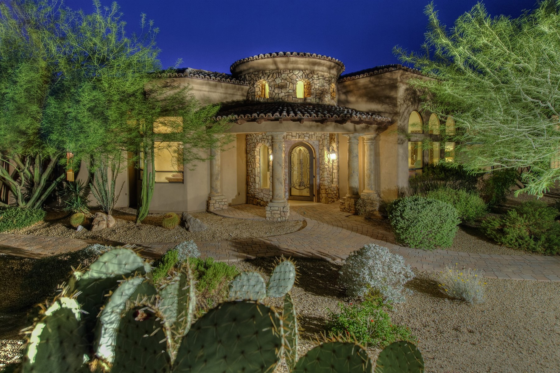 Single Family Home for Sale at Spectacular Furnished Home in Guard Gated Windy Walk in Troon Village 10772 E Quartz Rock Road Scottsdale, Arizona 85255 United States