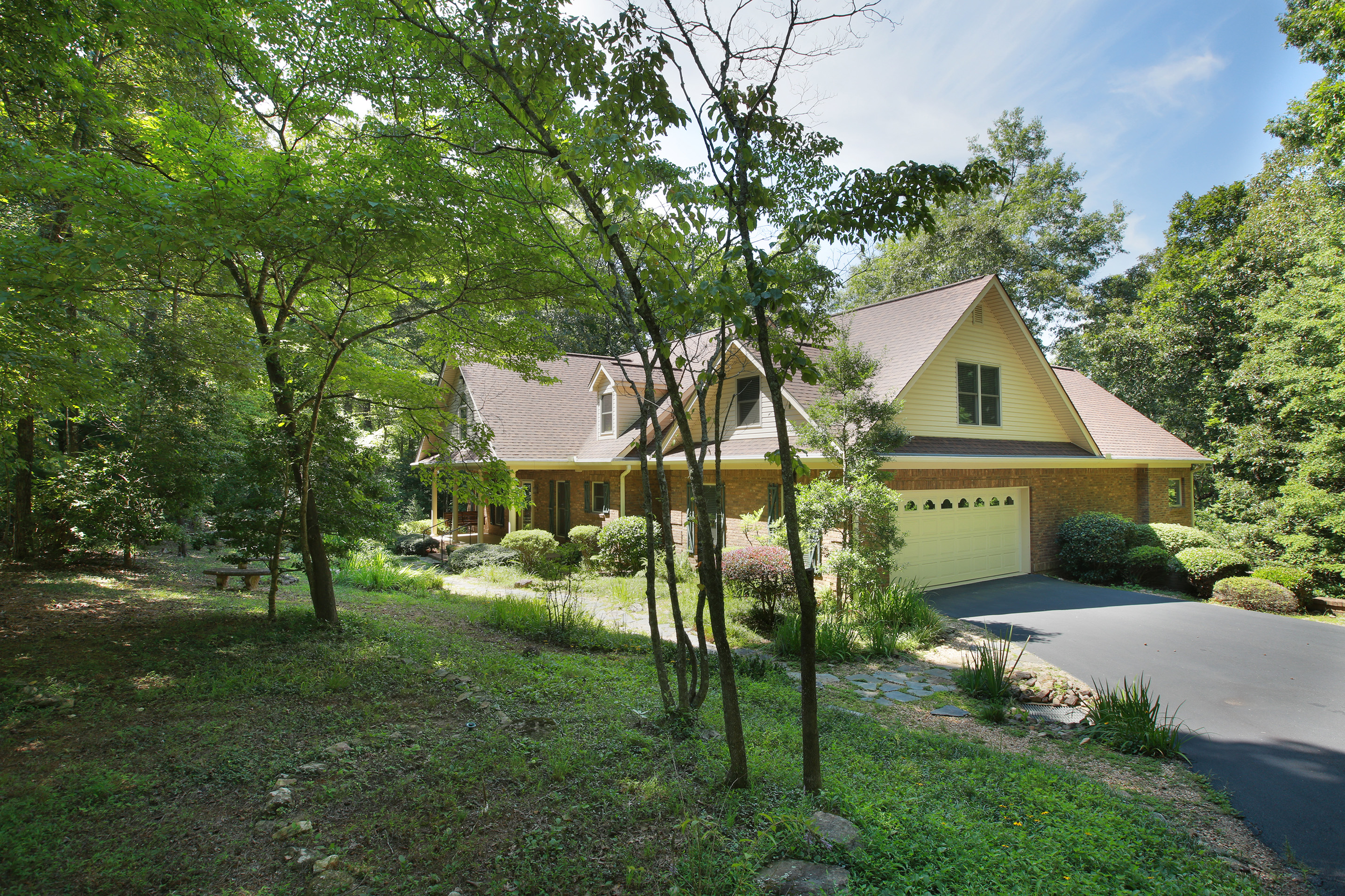 Property For Sale at Amazing 3.98 Acre Waterfront Custom Ranch