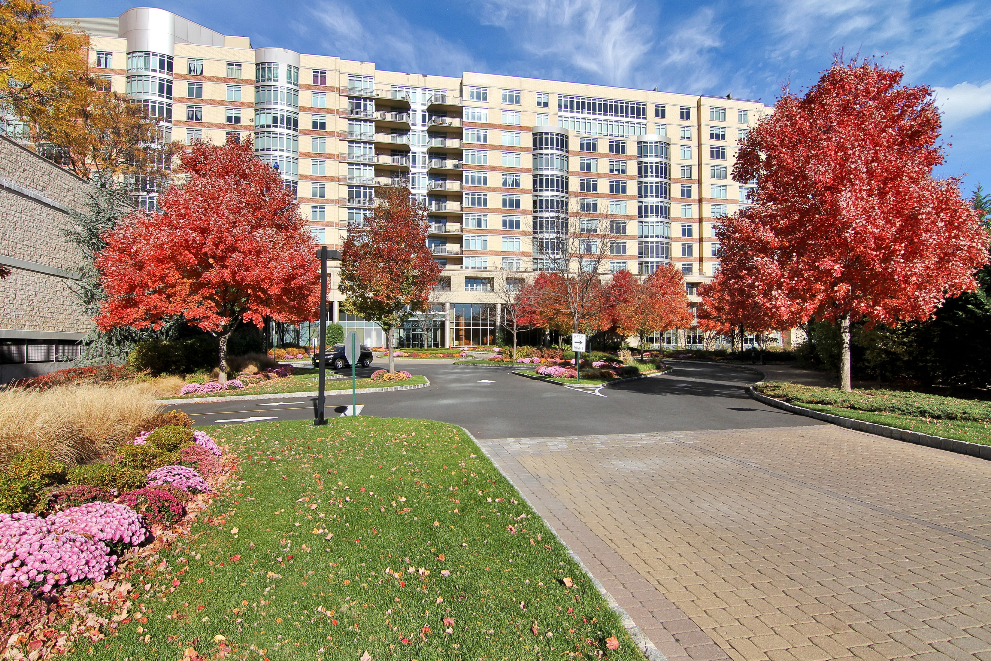 Appartement en copropriété pour l Vente à The Luxurious Watermark 8100 River Road #905 North Bergen, New Jersey 07047 États-Unis