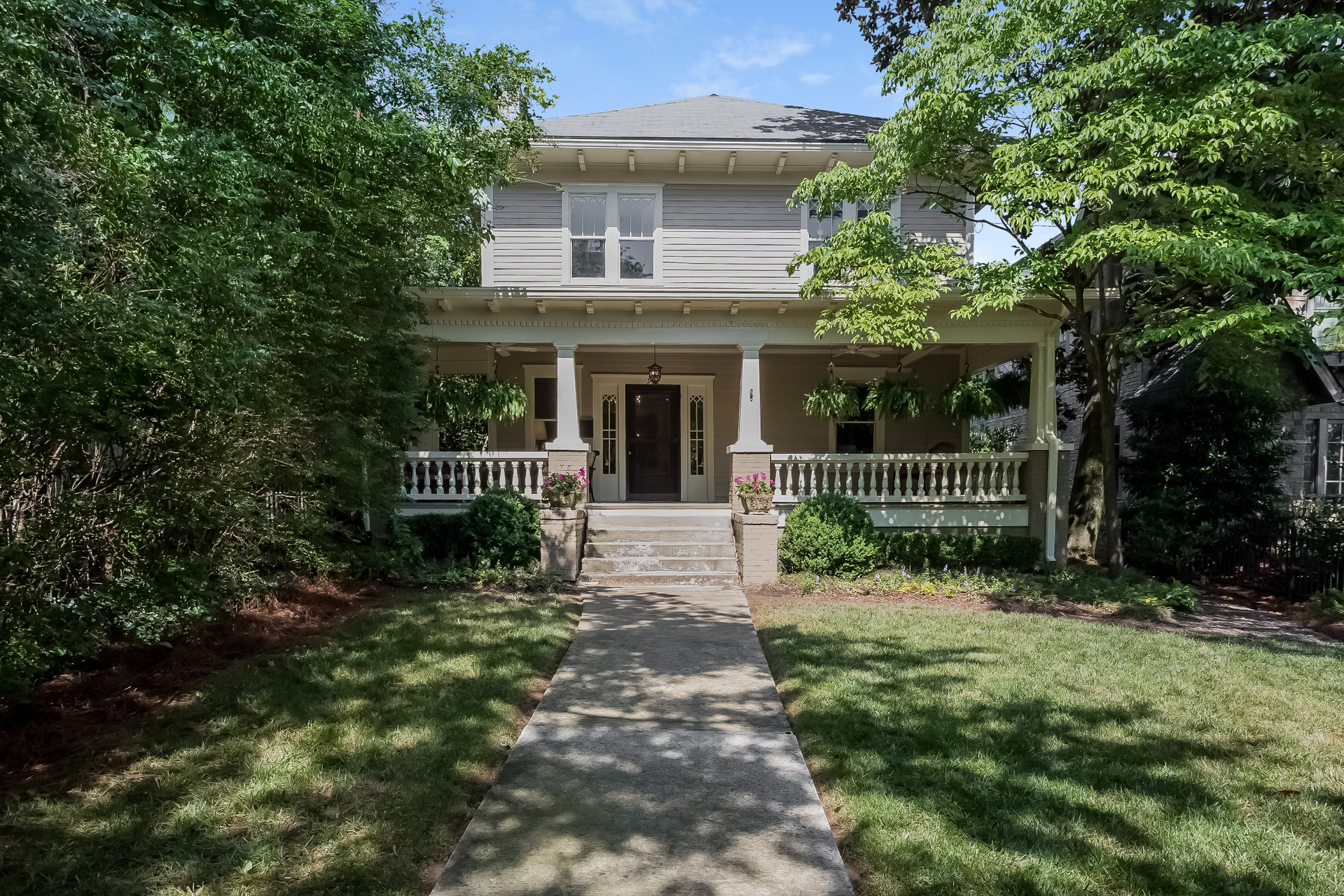 一戸建て のために 売買 アット Classic Craftsman Steps from Virginia Highland Village 932 N Highland Avenue NE Virginia Highland, Atlanta, ジョージア, 30306 アメリカ合衆国