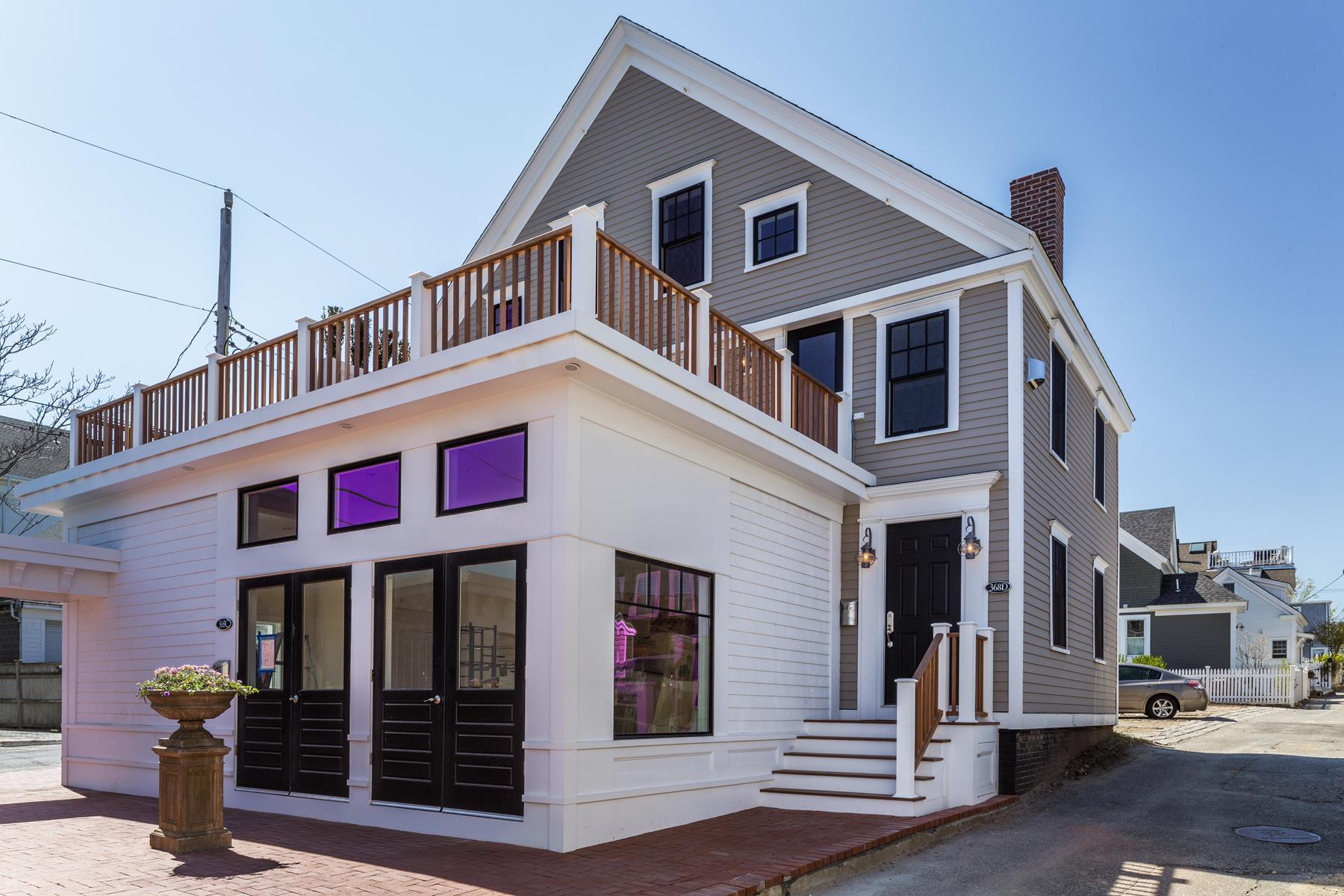 Piso por un Venta en New Construction 368 Commercial Street, Unit D Provincetown, Massachusetts, 02657 Estados Unidos