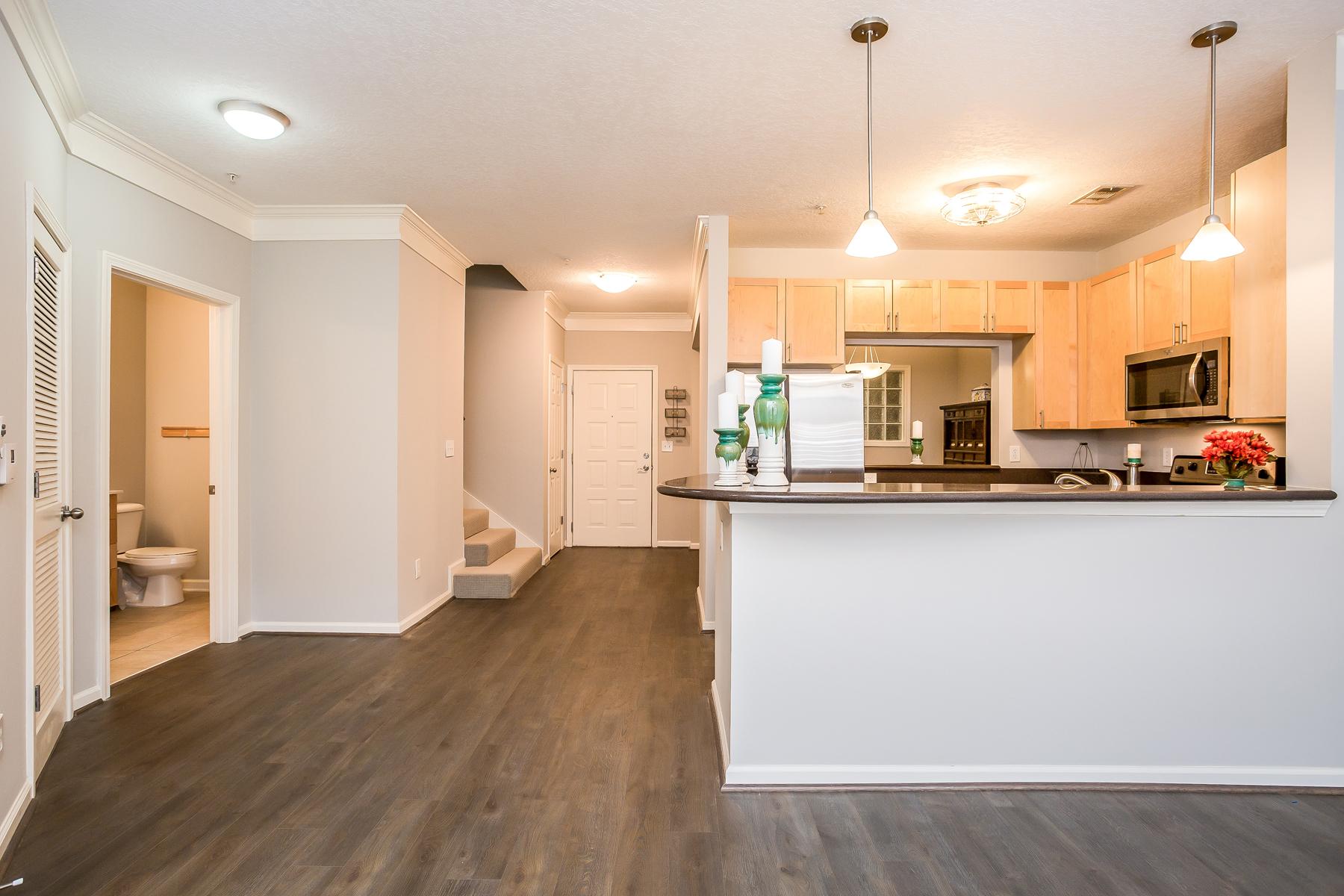 Nhà chung cư vì Bán tại Incredible Atlantic Station Condo 400 17th Street NW Unit 1325 Atlanta, Georgia, 30363 Hoa Kỳ