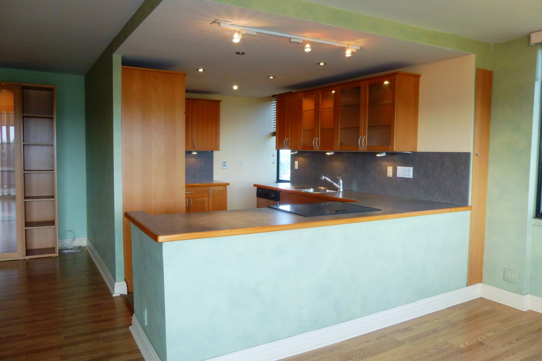 Property Of Luxurious corner unit with stunning views!