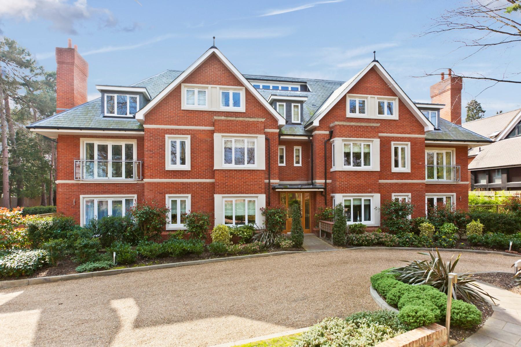 sales property at Weybridge, Surrey